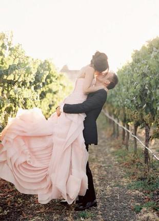 Свадебное платье от vera wang