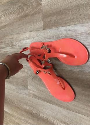 Отличные сандали , босоножки , вьетнамки  размер 40 . резиновые!