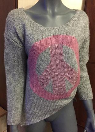 Теплый стильный свитерок