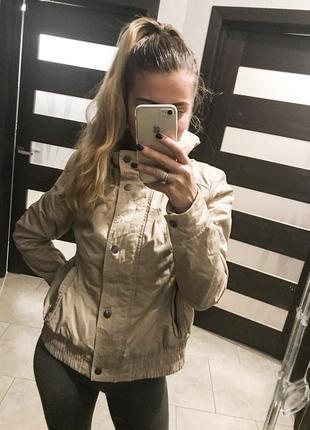 Крутая куртка бомбер дутик от clockhouse