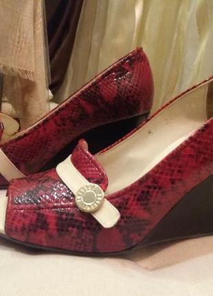 Нарядные туфли феллини