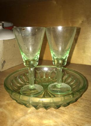 Зеленые бокалы 30мл и конфетница под хрусталь