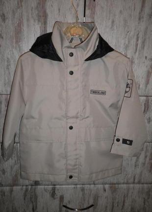 Плотная куртка ветровка с капюшоном от timberland размер 5