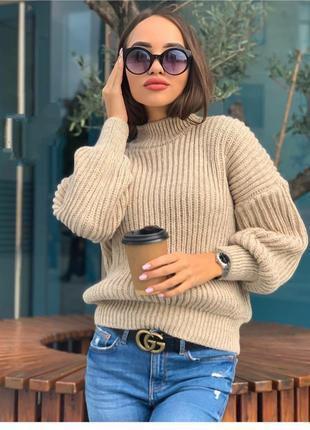 Укороченные модные объемные свитера