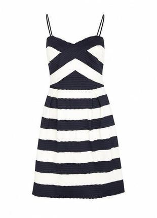 Платье s.oliver premium приталенного кроя l размер m/l декольте