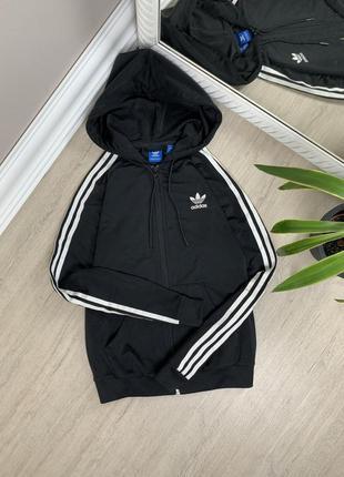 Adidas оригинал чёрная с лампасами адидас женская лонгслив олимпийка чёрная худи