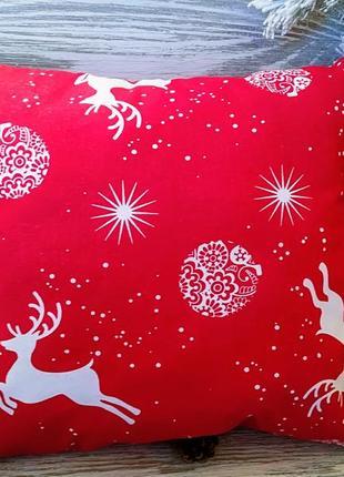Подушка новорічна червона олені-зірки