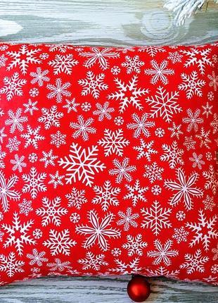 Подушка новорічна червона сніжинки