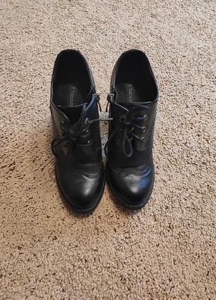 Закриті туфлі/ботильйони