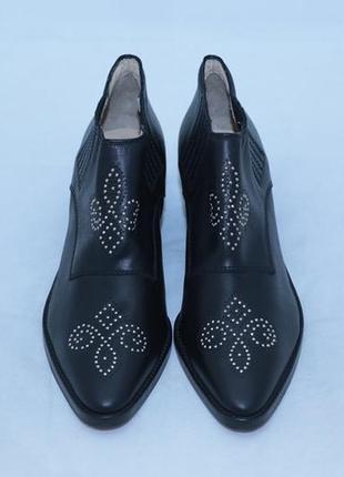 Ботинки казаки pinko (италия), черного цвета.