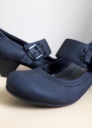 40 p. кожаные классические туфли tamaris