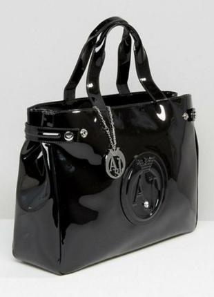 Культовая сумка от armani jeans. армани оригинал.