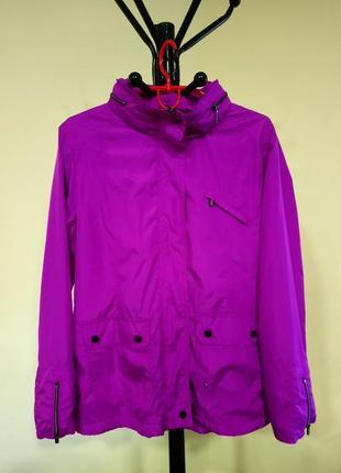 Яркая розовая куртка ветровка dunnes