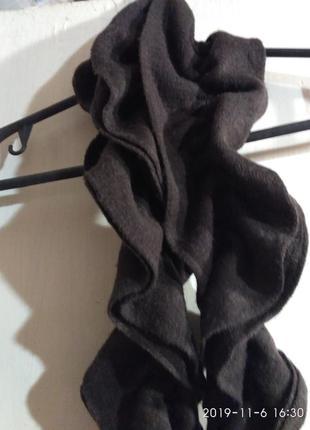 Чудесный шарфик в рюшиках бренд  promod