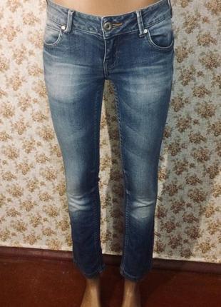 Красивые укороченные джинсы 26 размер 12105059