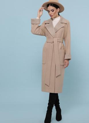 Пальто прямого силуету