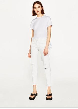 Zara белые рваные джинсы