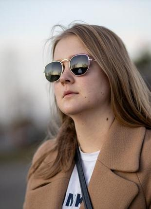 Новые солнцезащитные очки с золотой оправой orsay