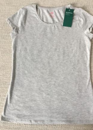 Новая базовая футболка из органического хлопка h&m