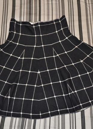 Черная юбка в клетку