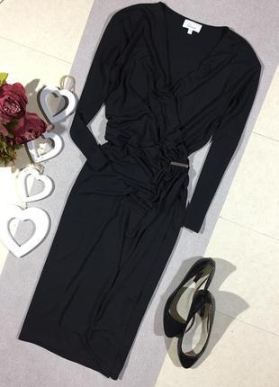 Красивое платье с драпировкой по талии и имитация запаха.linea