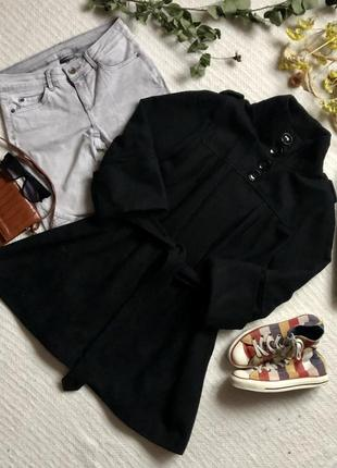 Чёрное шерстяное пальто на запах