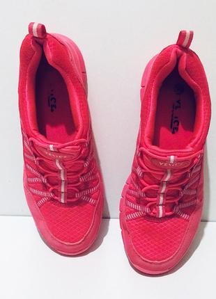 Яркие розовые женские кроссовки venice стелька 24,4 см memory foam