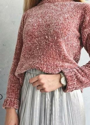 Нежно-розовый велюровый свитер. не подошёл размер.