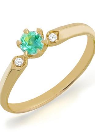 Золотое кольцо с изумрудом и бриллиантами желтое золото