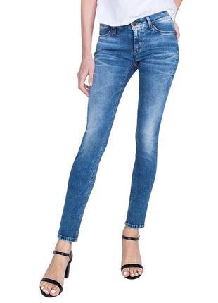 Акция 2=3. синие джинсы скини. зауженые джинсы средняя посадка с-м gloria jeans