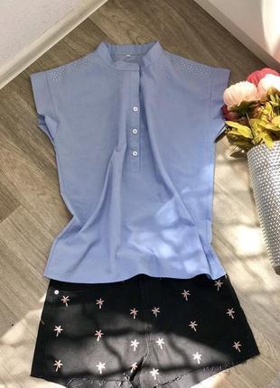 Голубая летняя рубашка с коротким рукавом