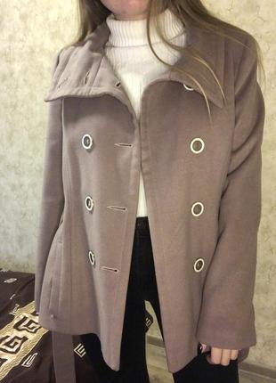 Кашемировое пальто лилового цвета