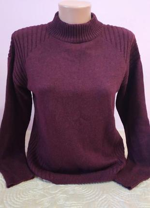 Очень красивый тёплый свитер с шерстью от bonita