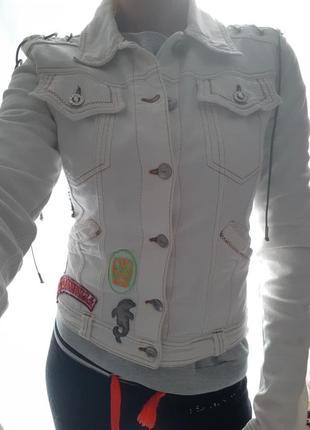Джинсовая куртка just cavalli