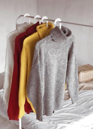Наши стильные свитерки over size согреют наравне с тёплыми объятиями🤗