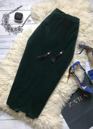 Шикарная бархатная миди юбка карандаш изумрудного цвета