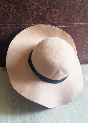 Клёвая бнжевая фетровая шляпа с полями 100% шерсти