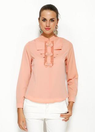 Персиковая женская блузка ma&gi с жабо