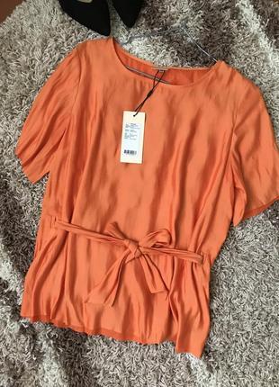 Красивая блуза с пояскрм