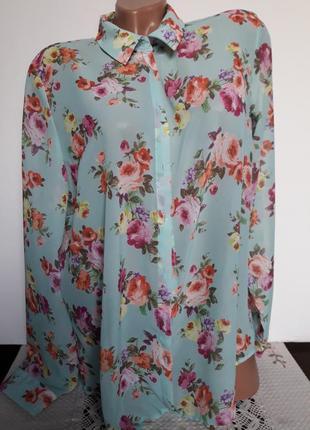 Нежная блуза рубашка в цветочный принт