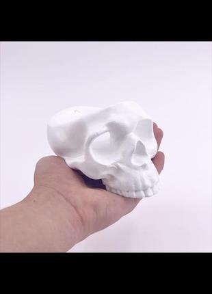 Подсвечник череп из гипса