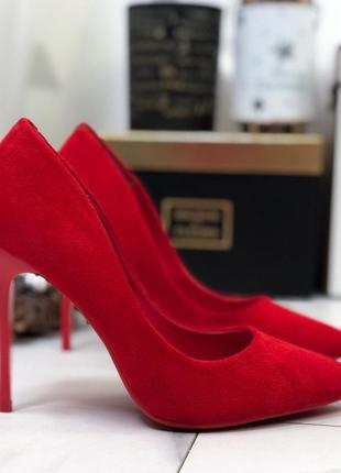 Замшевые туфли лодочки на шпильке,красные туфли на высоком каблуке.