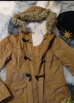 Парка куртка пальто пуховик утепленная бежевая базовая капишон