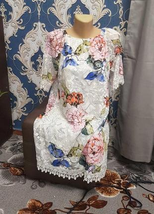 Шикарное платье кружевное