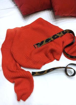 Морковный свитер на плечи