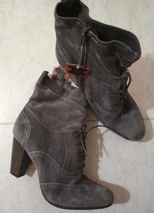 Натуральные  ботильоны ботинки полусапожки на шнурках удобный каблук новые с биркой