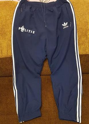 Оригинальные мужские спортивные штаны фирмы adidas! из гемании!