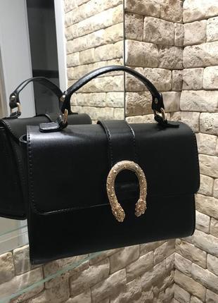 Стильная сумка из натуральной кожи