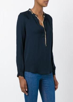 Шелковая рубашка- блузка декорированная цепочкой michael kors