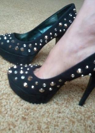 Туфли чорные